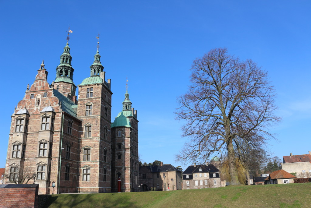 Enjoying Rosenborg Castle with beautiful sunshine. The palace seems to be the royal junk room. Everything that's sort of valuable (but too ugly) is moved there. In the basement you have also the state treasury.