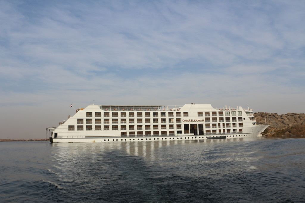 MS Omar El Khayam on lake Nasser