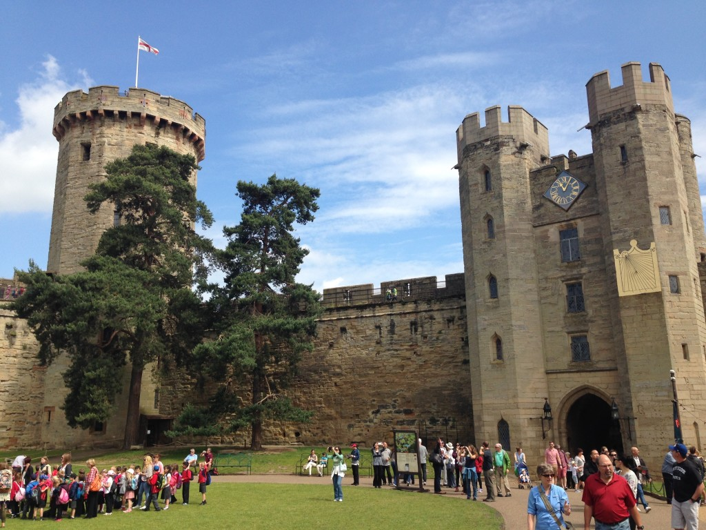I am also still undecided if I love or hate Warwick Castle. The castle itself is huge and impressive. It is however owned by Madame Tussauds and they transformed it into a giant theme park. It seems to be very popular with children. So they obviously did something right here.